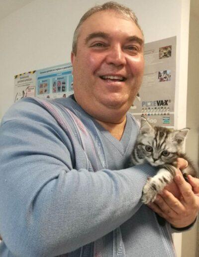 Dr. Zdravko Dimitrov with a little kitten at MedinaVet veterinary clinic